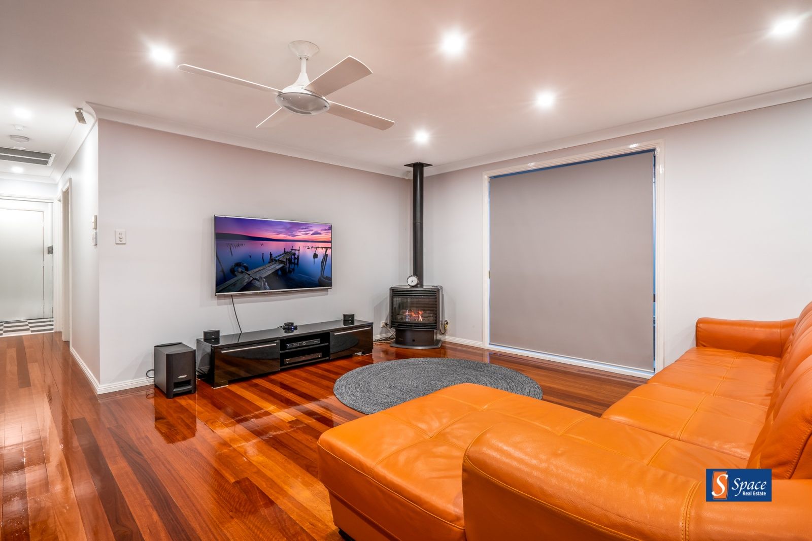 7 Ashford Circuit,Currans Hill,NSW,4 Bedrooms Bedrooms,2 BathroomsBathrooms,House,Ashford Circuit,1125