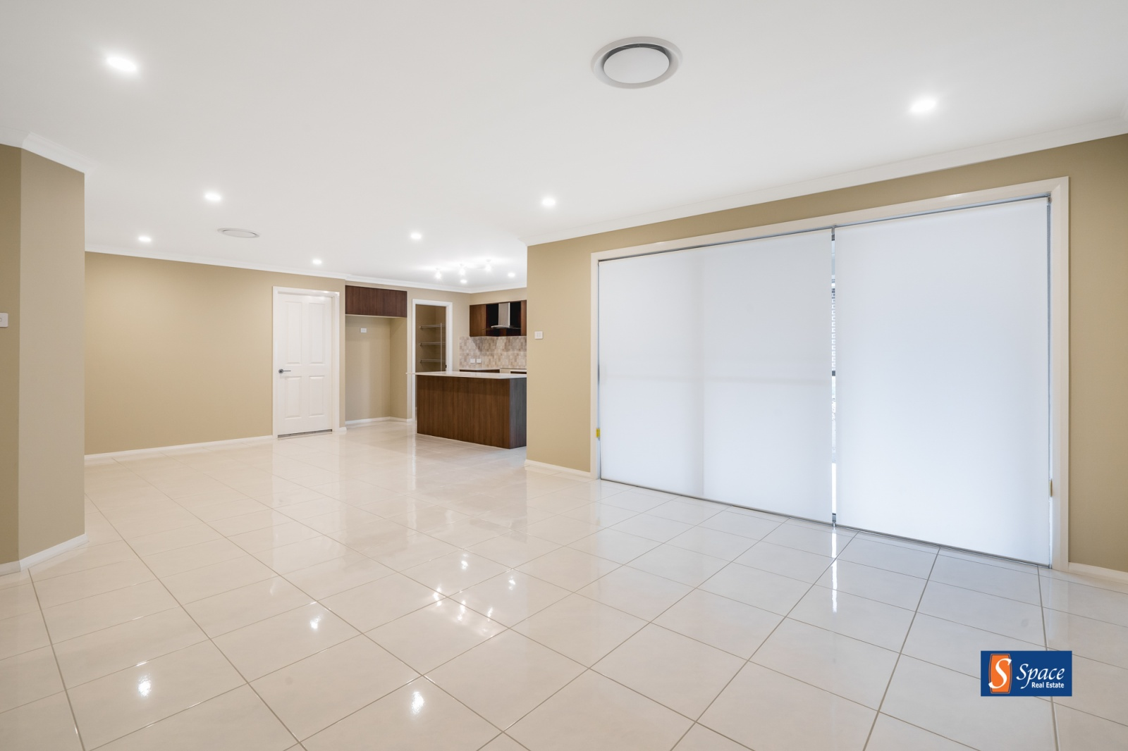 13 Allen Street,Oran Park,NSW,4 Bedrooms Bedrooms,2 BathroomsBathrooms,House,Allen Street,1145