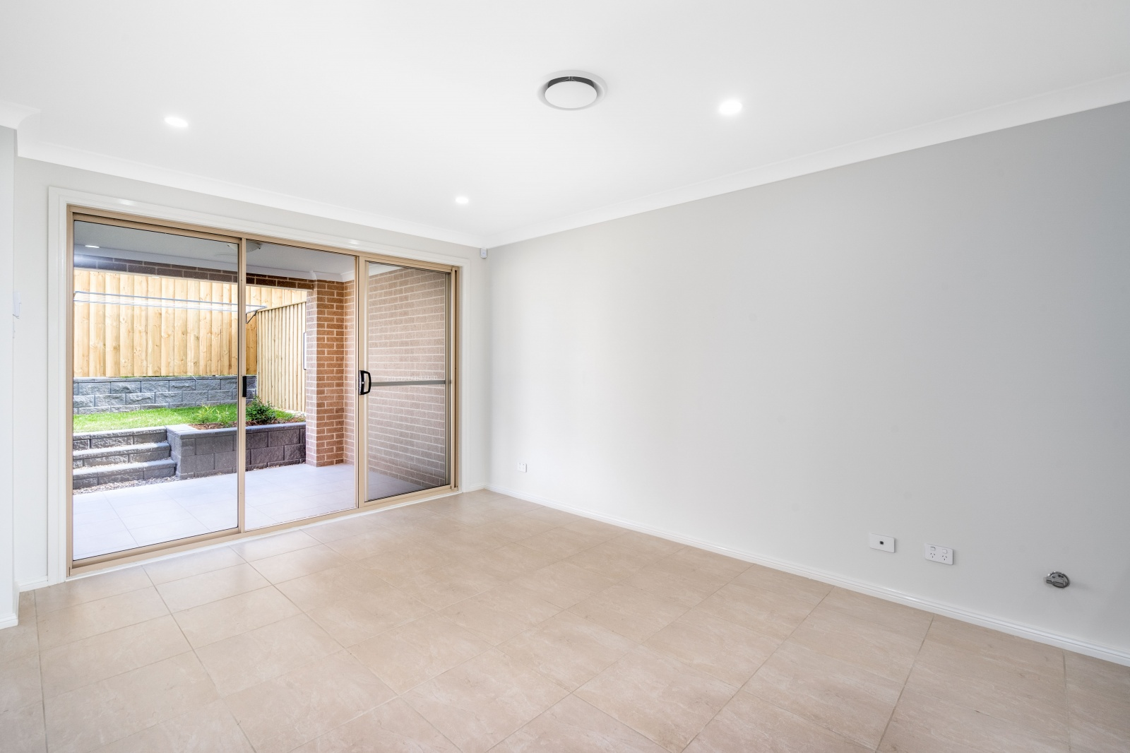 12 Laura Street,Oran Park,NSW,3 Bedrooms Bedrooms,2 BathroomsBathrooms,House,Laura Street,1216