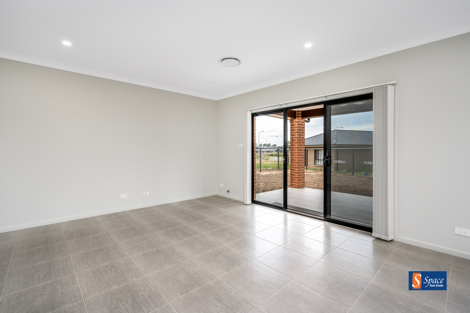 2a Correa Circuit,Gregory Hills,NSW,4 Bedrooms Bedrooms,2 BathroomsBathrooms,House,Correa Circuit,1221