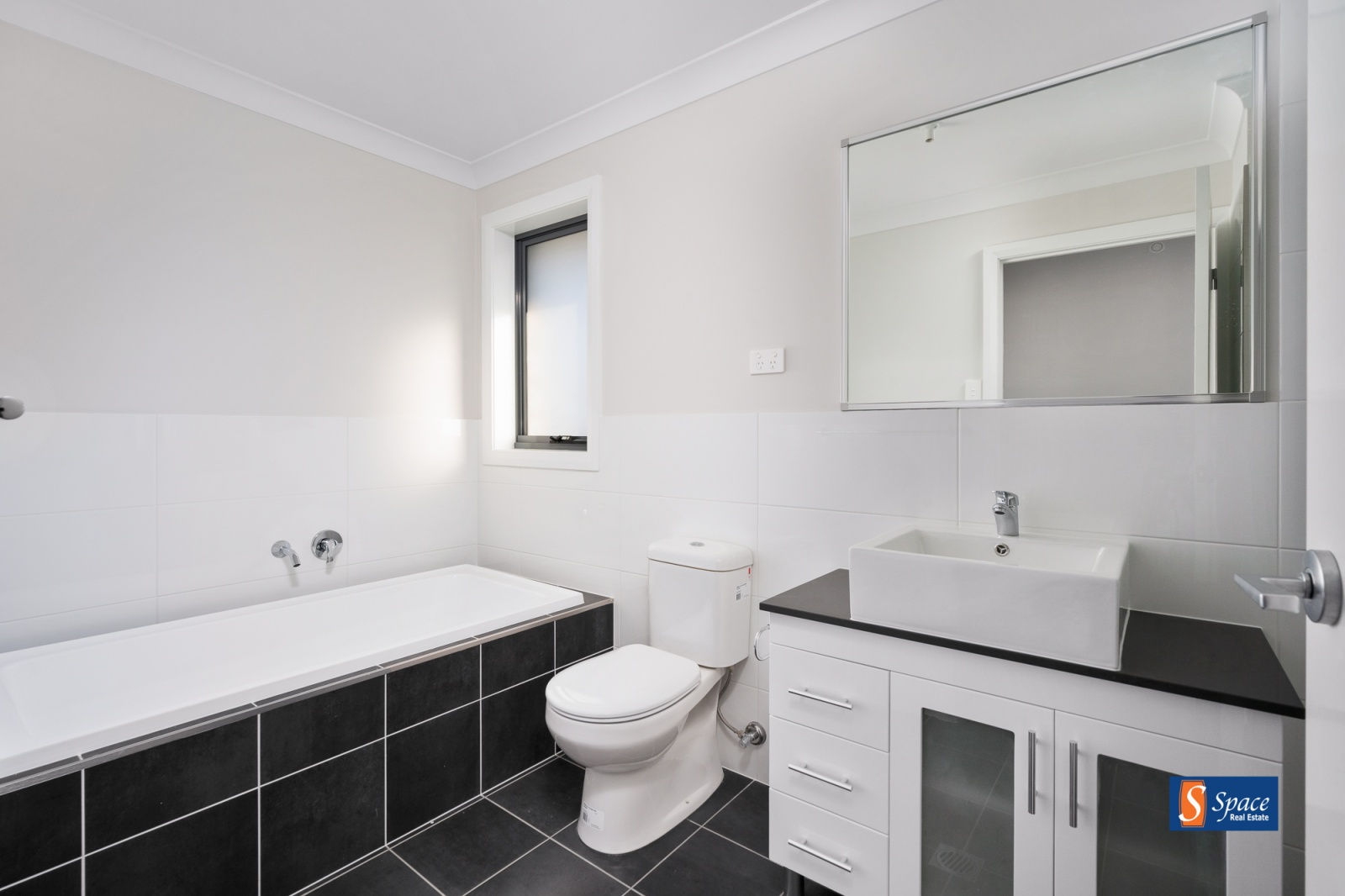 38a & 38b Cumberland Street,Gregory Hills,NSW,4 Bedrooms Bedrooms,2 BathroomsBathrooms,Duplex,Cumberland Street,1225