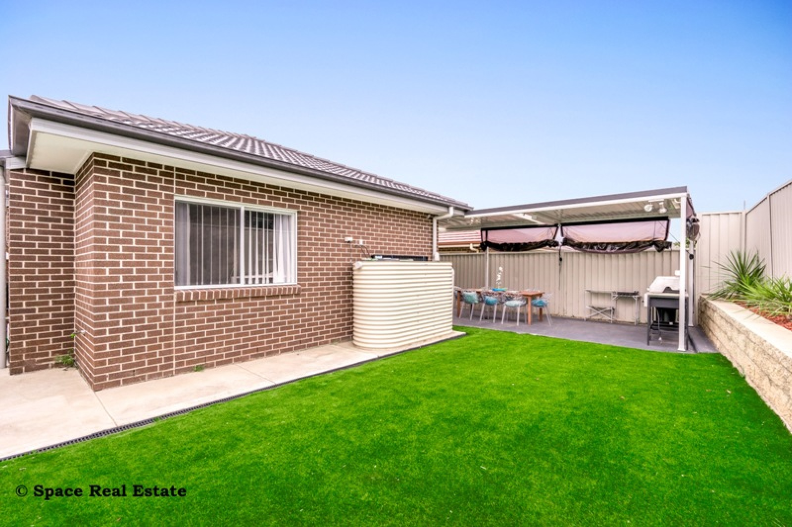 24 Willmington Loop,Oran Park,NSW,4 Bedrooms Bedrooms,2 BathroomsBathrooms,House,Willmington Loop,1236