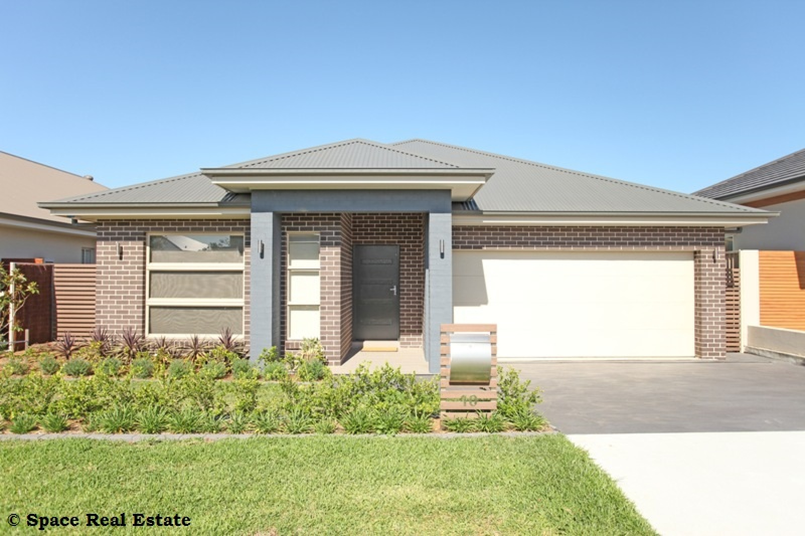 10 Agostini Circuit,Oran Park,NSW,4 Bedrooms Bedrooms,2 BathroomsBathrooms,House,Agostini Circuit,1242