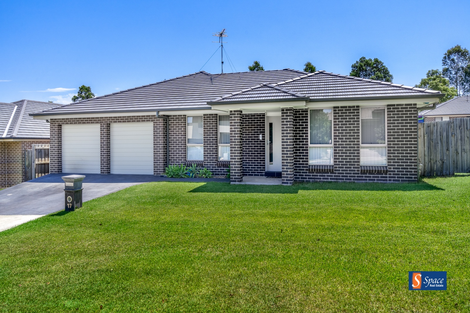 17 Ancona Avenue,Spring Farm,NSW,4 Bedrooms Bedrooms,2 BathroomsBathrooms,House,Ancona Avenue,1248