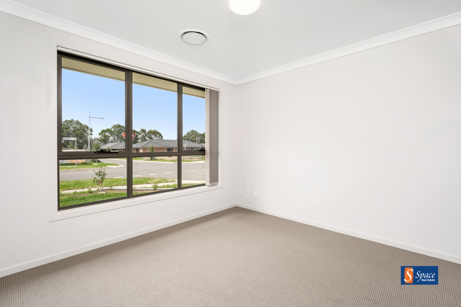 7 Banfield Drive,Oran Park,NSW,4 Bedrooms Bedrooms,2 BathroomsBathrooms,House,Banfield Drive,1282