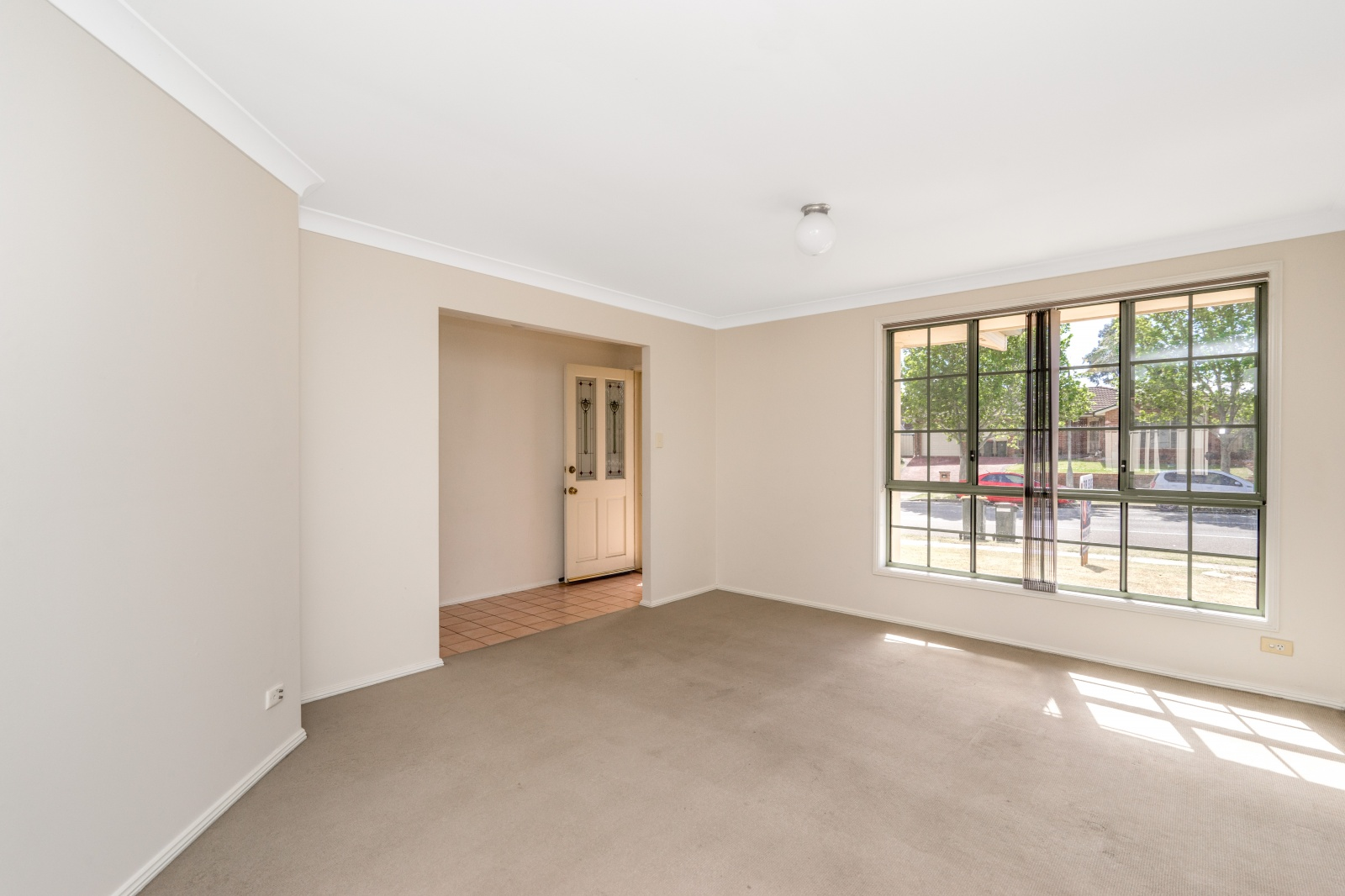 38 Currans Hill Drive,Currans Hill,NSW,3 Bedrooms Bedrooms,2 BathroomsBathrooms,House,Currans Hill Drive,1291
