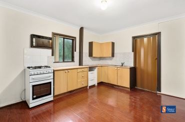 687a Camden Valley Way,Catherine Fields,NSW,2 Bedrooms Bedrooms,1 BathroomBathrooms,House,Camden Valley Way,1303