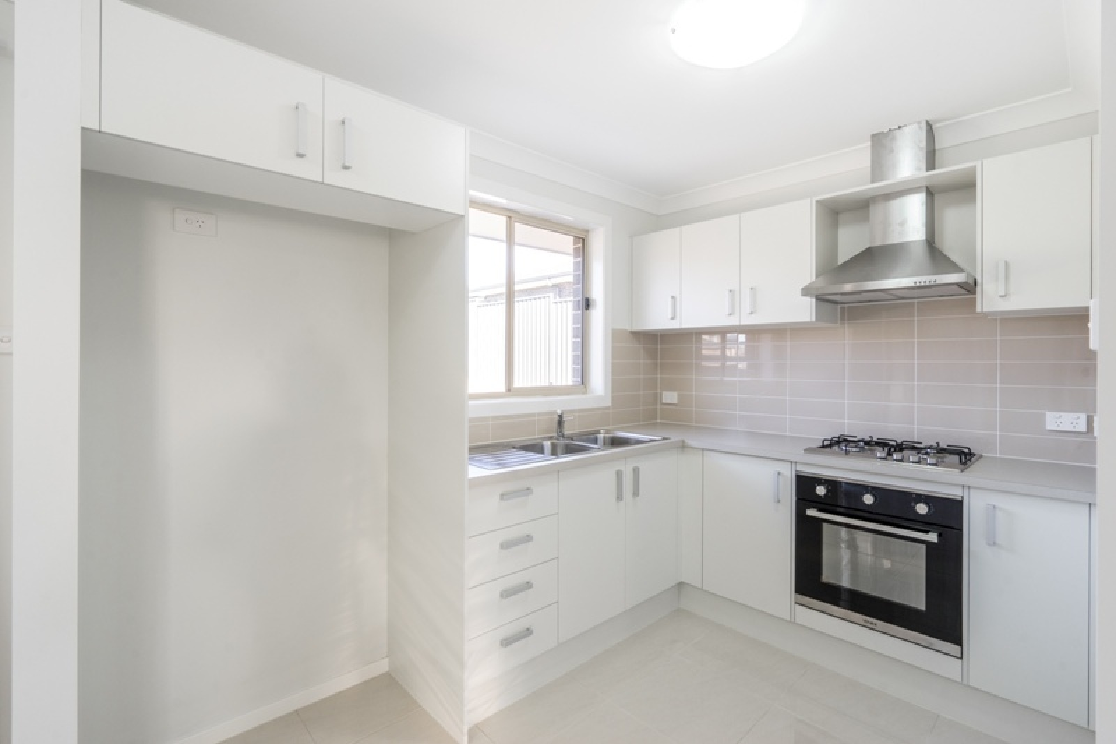 24a Richards Loop,Oran Park,NSW,2 Bedrooms Bedrooms,1 BathroomBathrooms,House,Richards Loop,1307