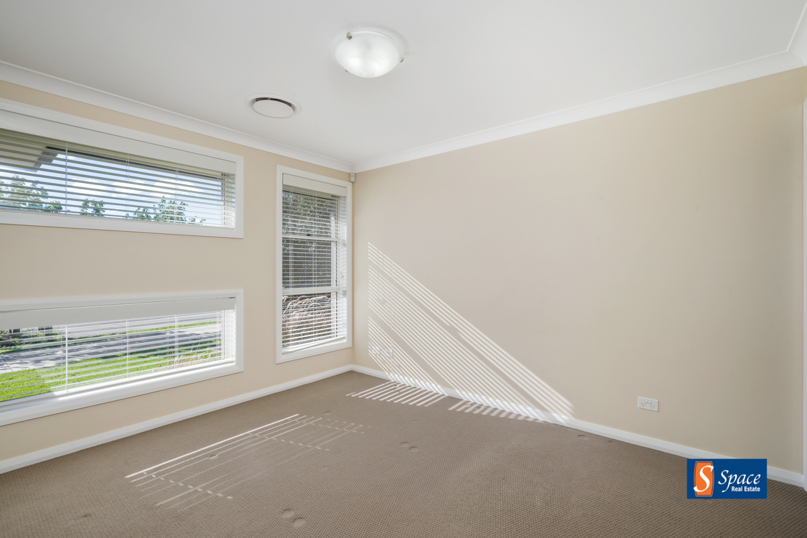 40 Plymouth Boulevard, Spring Farm, NSW, 4 Bedrooms Bedrooms, ,2 BathroomsBathrooms,House,Leased,Plymouth Boulevard,1352