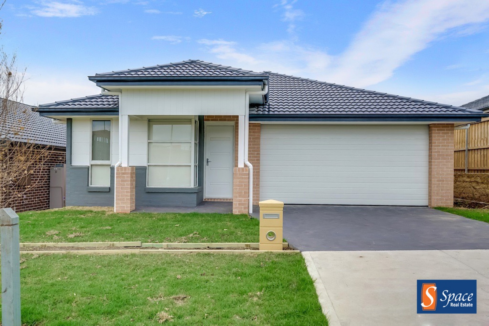 19 Davidson Street,Oran Park,NSW,4 Bedrooms Bedrooms,2 BathroomsBathrooms,House,Davidson Street,1398