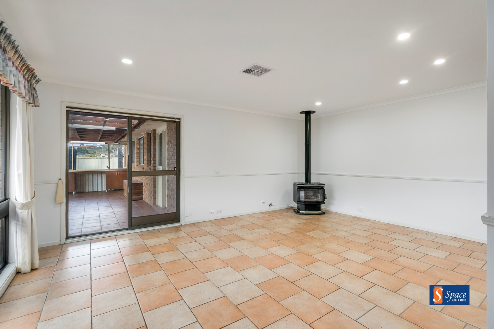 73 Turner Road,Gregory Hills,NSW,4 Bedrooms Bedrooms,2 BathroomsBathrooms,House,Turner Road,1419