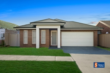24 Waterglass Street,Spring Farm,NSW,3 Bedrooms Bedrooms,2 BathroomsBathrooms,House,Waterglass Street,1439