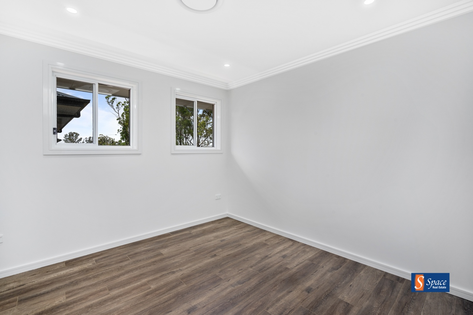 69a & 69a Thorpe Circuit,Oran Park,NSW,4 Bedrooms Bedrooms,2 BathroomsBathrooms,Duplex,Thorpe Circuit,1440