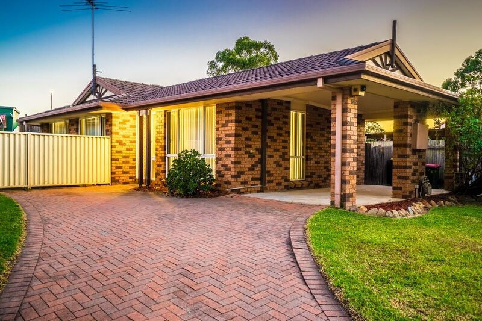 12 Baldwin Way,Currans Hill,NSW,3 Bedrooms Bedrooms,1 BathroomBathrooms,House,Baldwin Way,1450