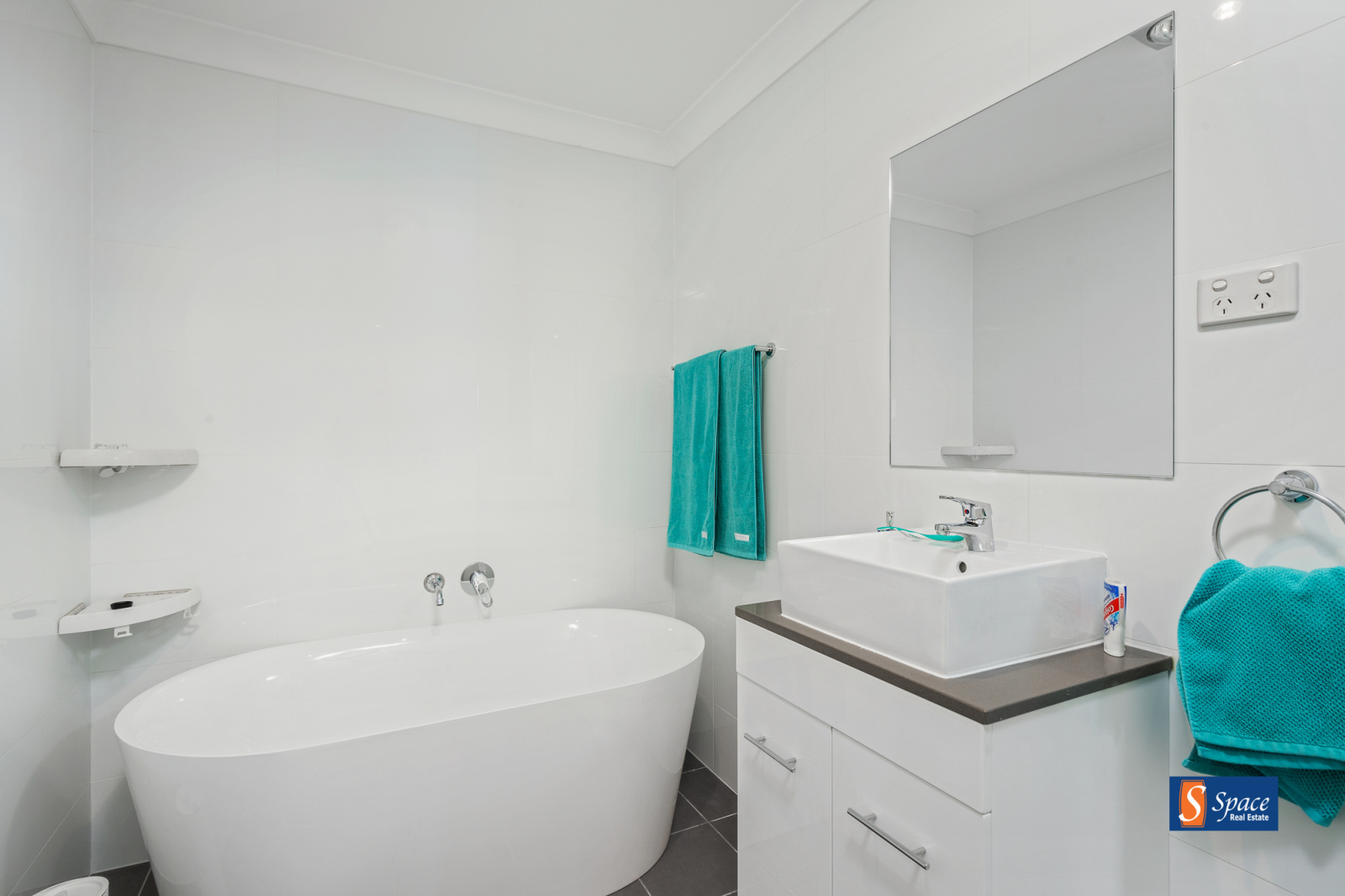 58a Spitzer Street,Gregory Hills,NSW,4 Bedrooms Bedrooms,2 BathroomsBathrooms,House,Spitzer Street,1452