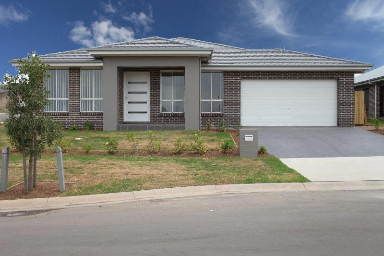 28 Ducros Street,Oran Park,NSW,4 Bedrooms Bedrooms,2 BathroomsBathrooms,House,Ducros Street,1453