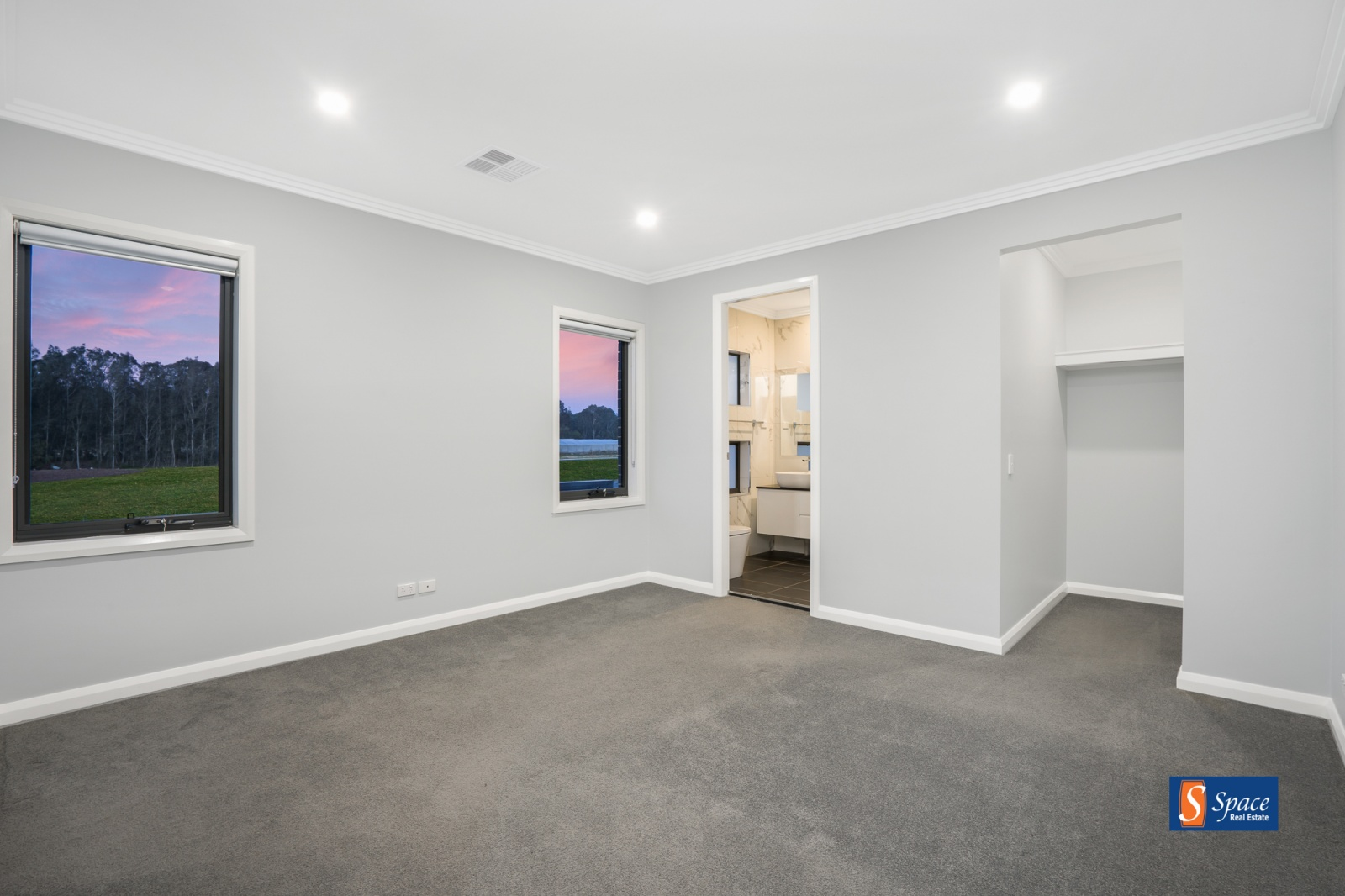 6 Hungerford Street,Catherine Fields,NSW,5 Bedrooms Bedrooms,4 BathroomsBathrooms,House,Hungerford Street,1466