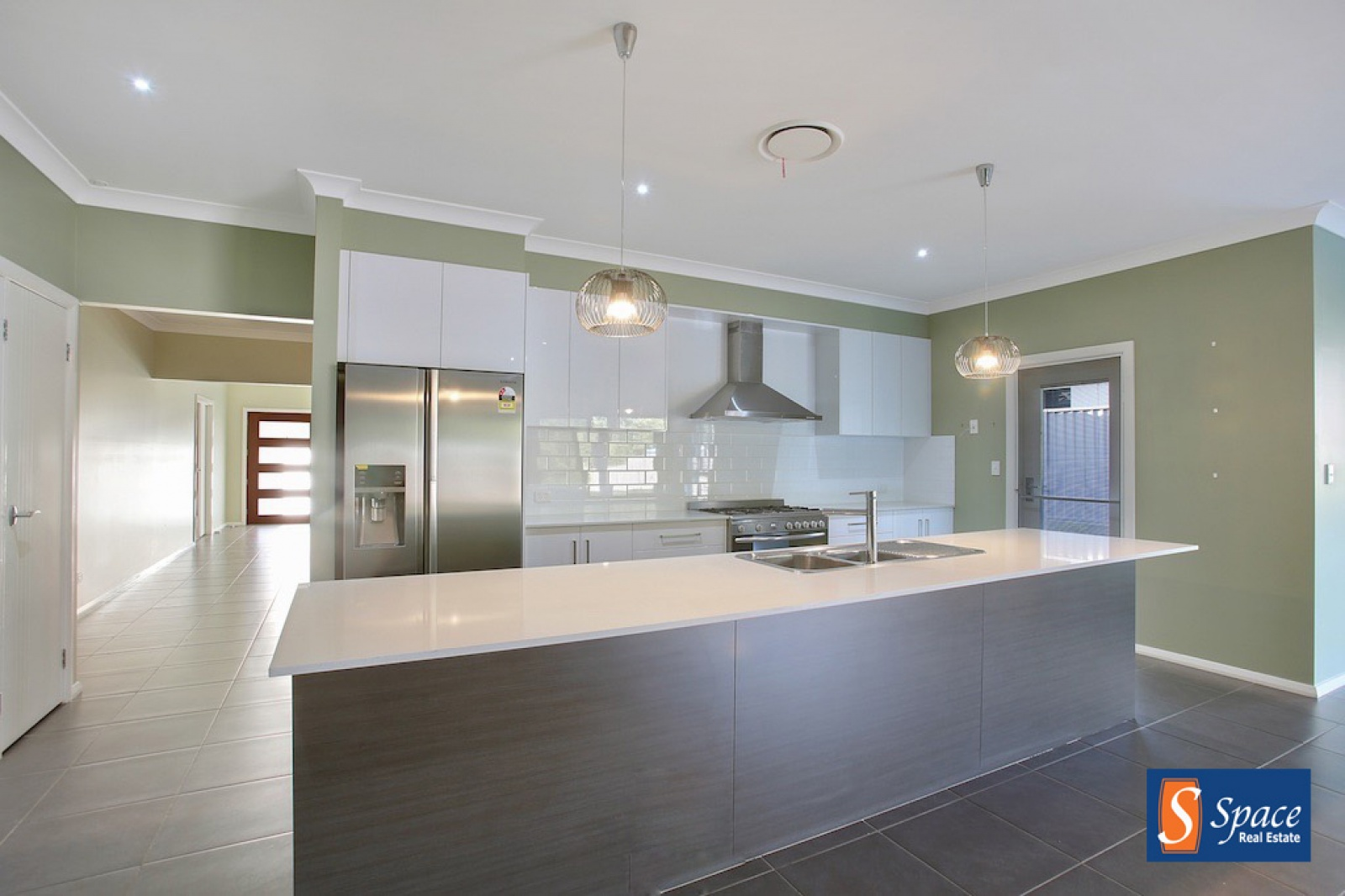 39 Hawthorne Circuit,Harrington Grove,NSW,5 Bedrooms Bedrooms,3 BathroomsBathrooms,House,Hawthorne Circuit,1469