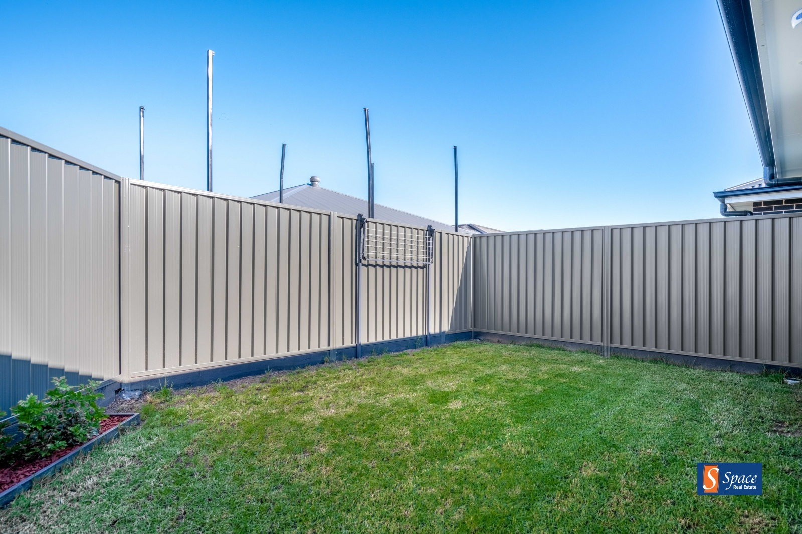 14b McKeown Street,Oran Park,NSW,2 Bedrooms Bedrooms,1 BathroomBathrooms,House,McKeown Street,1477