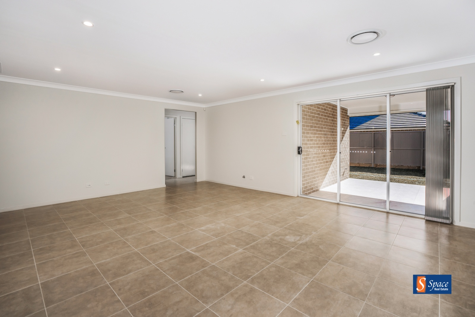 38 Caswell Street,Spring Farm,NSW,4 Bedrooms Bedrooms,2 BathroomsBathrooms,House,Caswell Street,1518