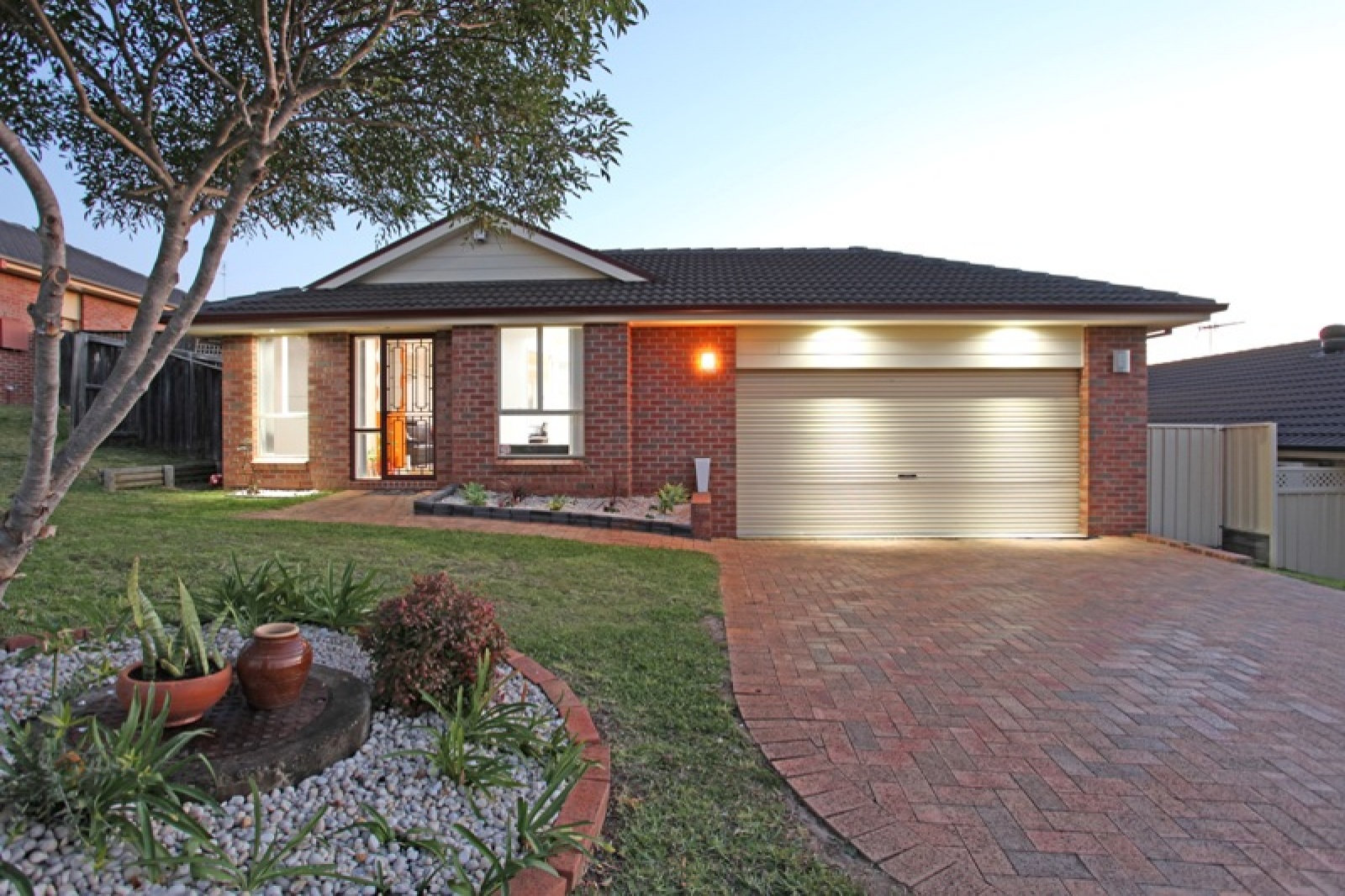 18 St Catherine Close,Blair Athol,NSW,3 Bedrooms Bedrooms,1 BathroomBathrooms,House,St Catherine Close,1559