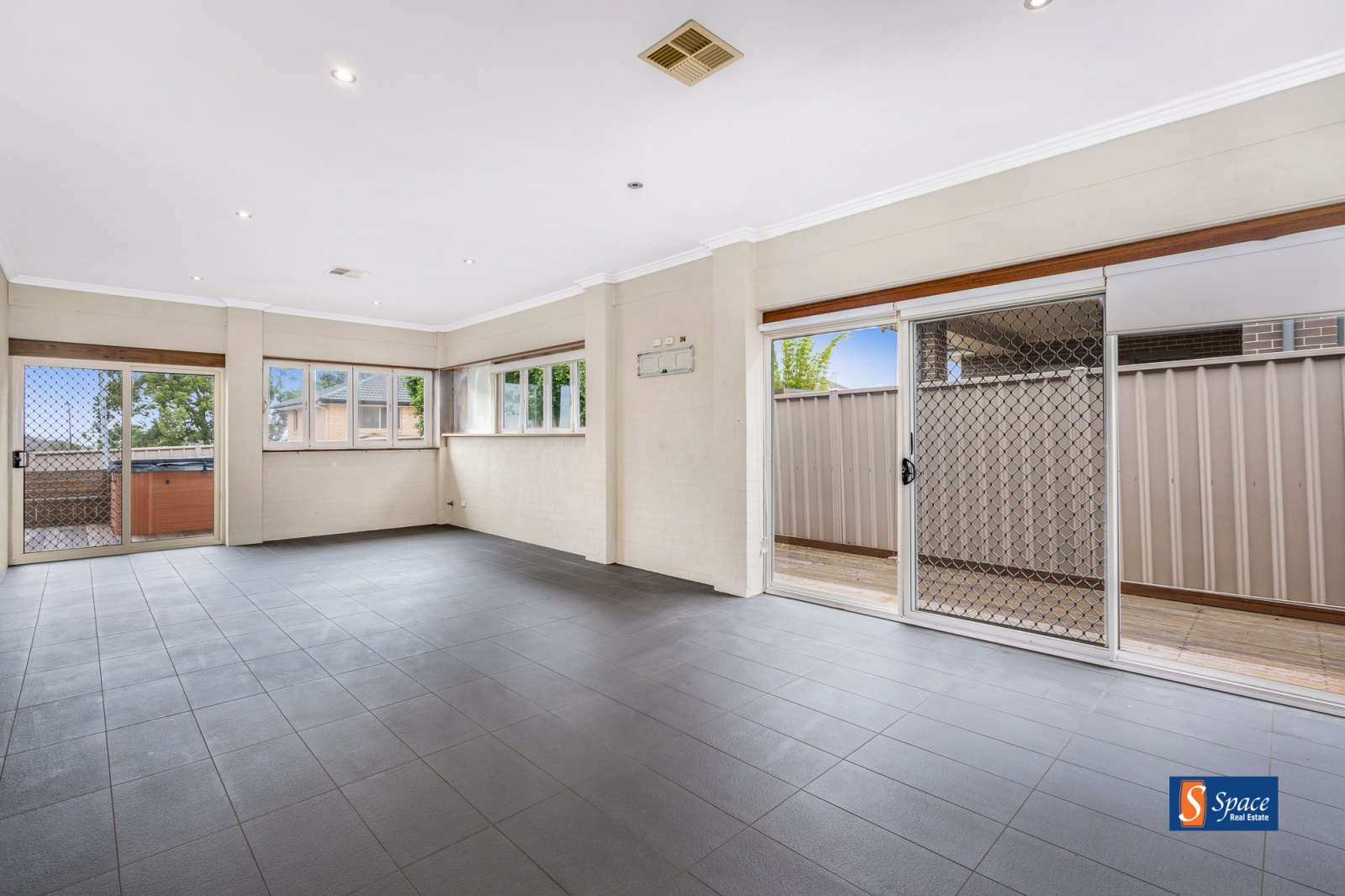 47 Forestgrove Drive, Harrington Park, NSW, 4 Bedrooms Bedrooms, ,2 BathroomsBathrooms,House,Leased,Forestgrove Drive,1626