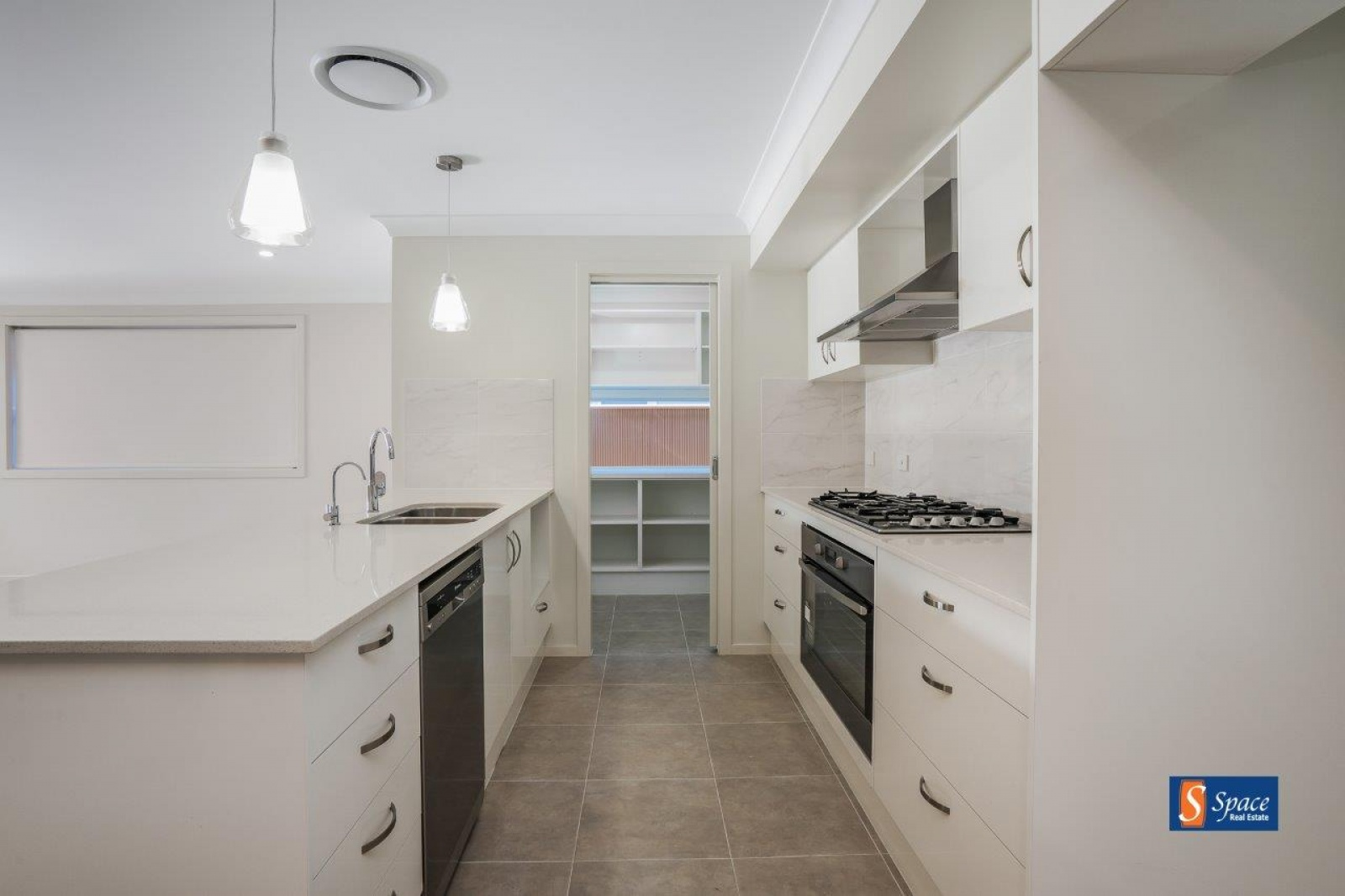 38 Caswell Street,Spring Farm,NSW,4 Bedrooms Bedrooms,2 BathroomsBathrooms,House,Caswell Street,1050
