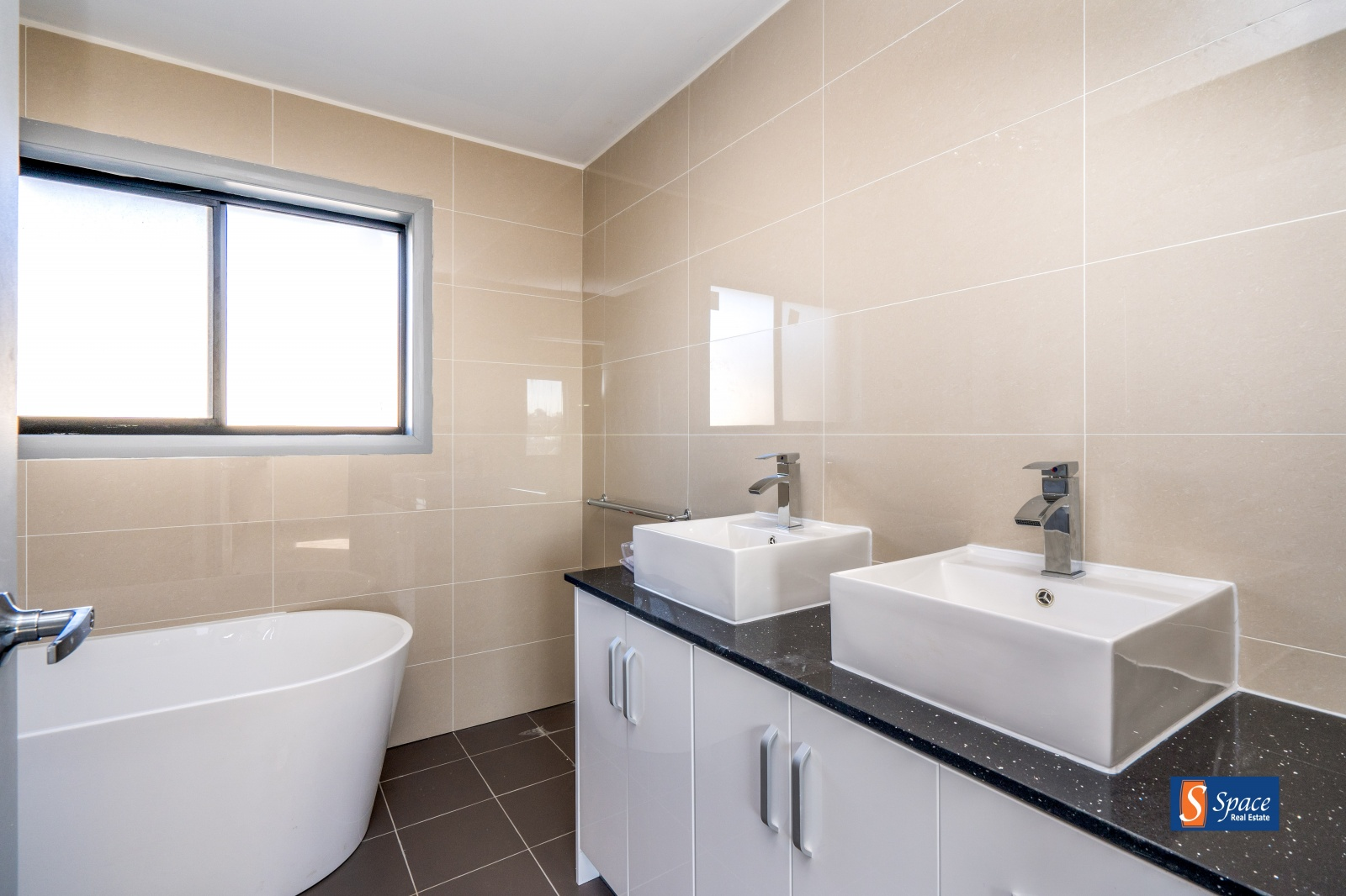 34A Glendiver Street, Gledswood Hills, NSW, 4 Bedrooms Bedrooms, ,2.5 BathroomsBathrooms,House,Leased,Glendiver Street,1671