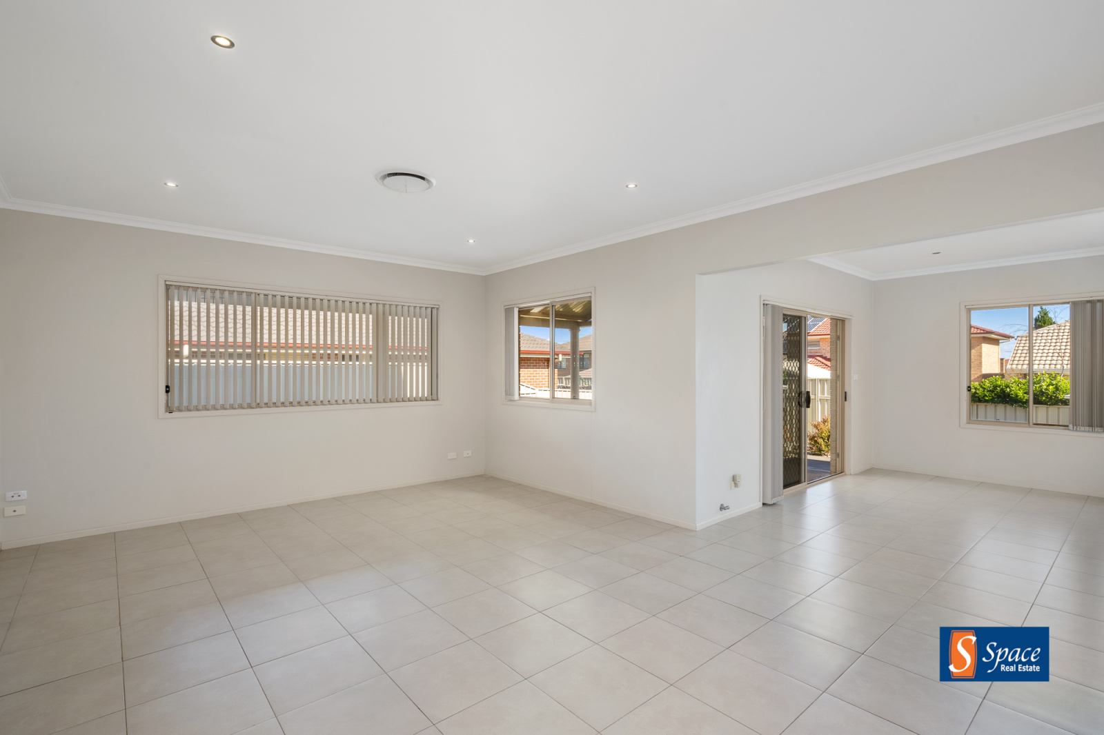 15 Alexandra Crescent, Harrington Park, NSW, 4 Bedrooms Bedrooms, ,2 BathroomsBathrooms,House,Leased,Alexandra Crescent ,1718