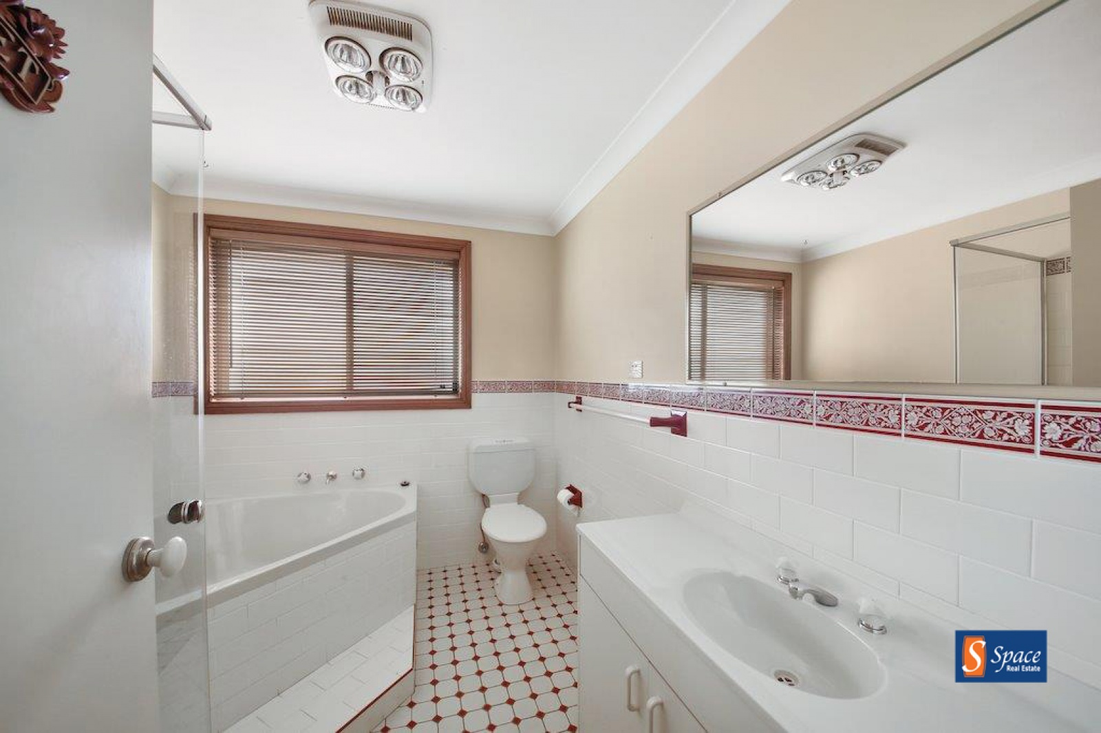 2 Hannah Place, Mount Annan, NSW, 3 Bedrooms Bedrooms, ,2 BathroomsBathrooms,House,Leased,Hannah Place,1719
