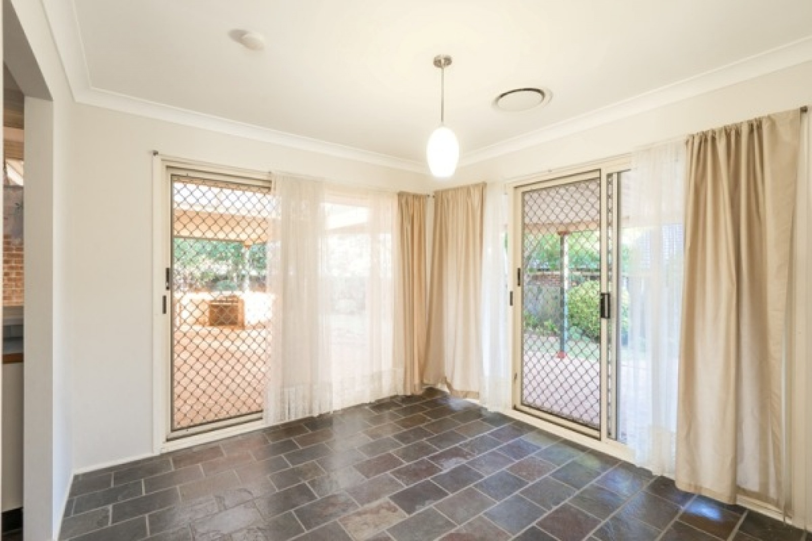 4 Vista Place, Narellan, NSW, 4 Bedrooms Bedrooms, ,2 BathroomsBathrooms,House,Leased,Vista Place,1720