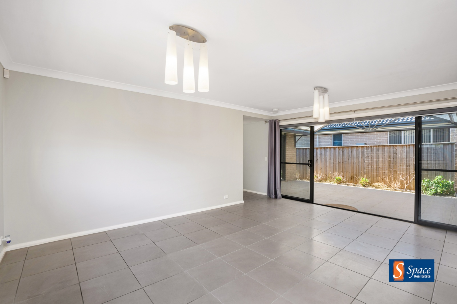 16 Greenhill Street, Spring Farm, NSW, 3 Bedrooms Bedrooms, ,2 BathroomsBathrooms,House,Leased,Greenhill Street,1734
