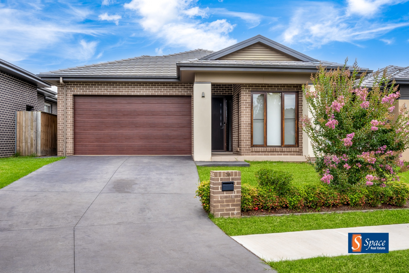38 Corven Avenue, Elderslie, NSW, 4 Bedrooms Bedrooms, ,2 BathroomsBathrooms,House,Leased,Corven Avenue,1766