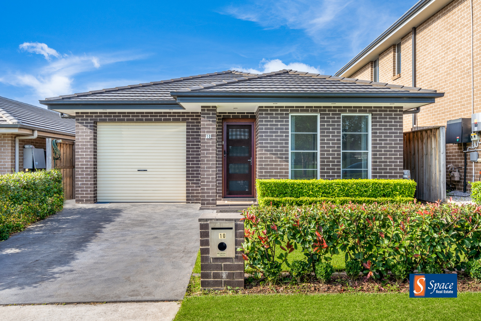 10 Twynam Place, Minto, NSW, 4 Bedrooms Bedrooms, ,2 BathroomsBathrooms,House,Leased,Twynam Place,1780