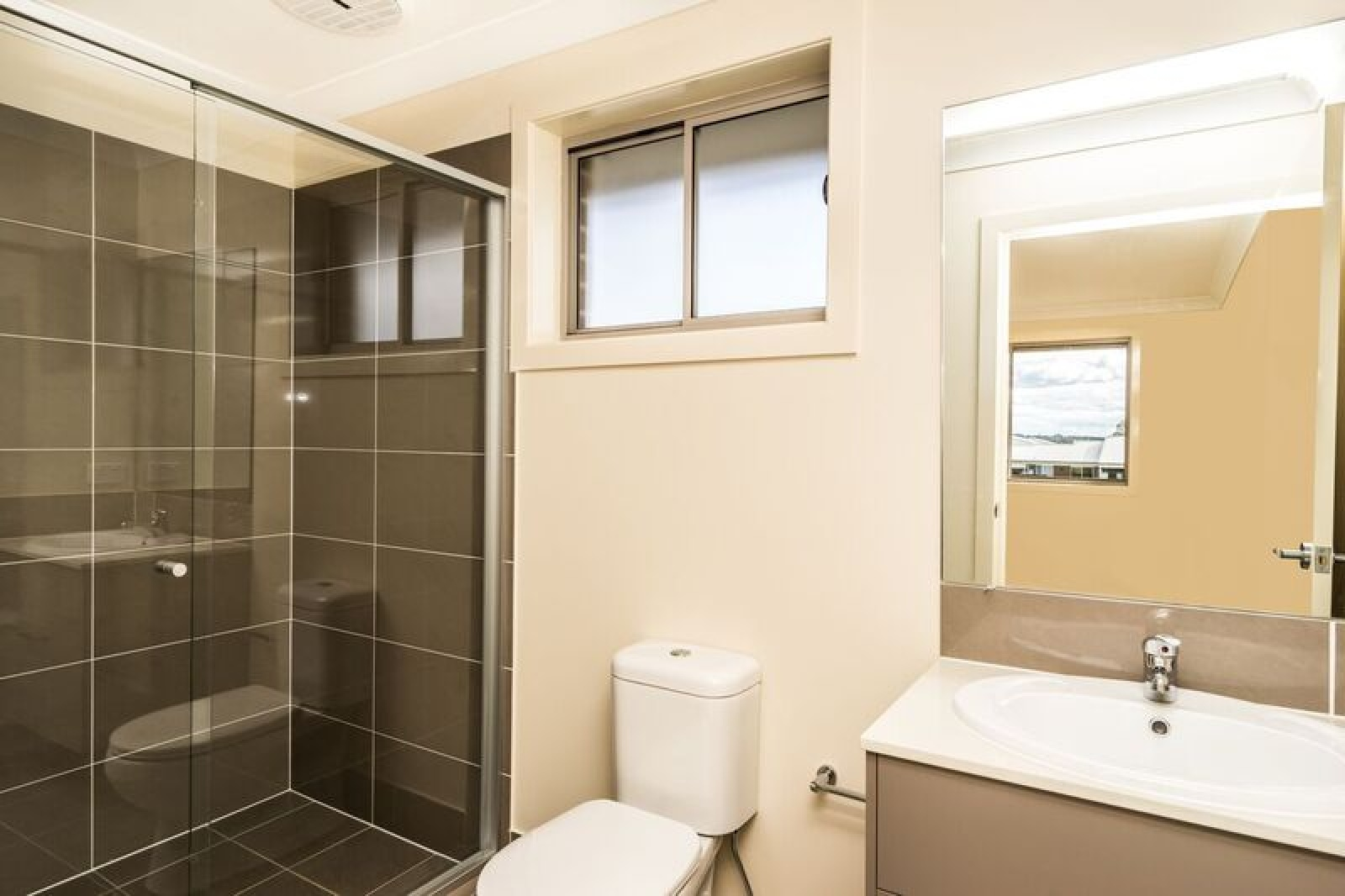 212a South Circuit, Oran Park, NSW, 1 Bedroom Bedrooms, ,1 BathroomBathrooms,Apartment,Leased,South Circuit,1788