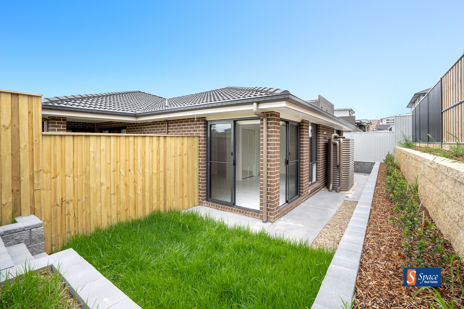 9 Lawler Drive, Oran Park, NSW, 1 Bedroom Bedrooms, ,1 BathroomBathrooms,House,Lease,Lawler Drive,1800